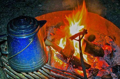 2mncabins-mood-shot-campfire
