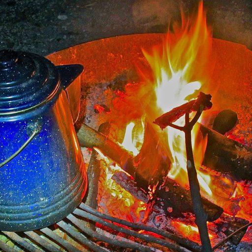 cropped-2mncabins-mood-shot-campfire.jpg