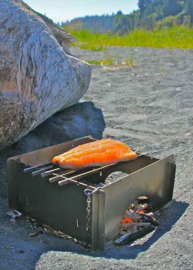 GEAR-SLATGRILLS-ON THE BEACH